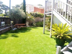 pelouse artificielle sur béton
