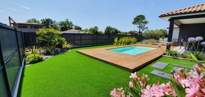 gazon-synthetique-contour-piscine