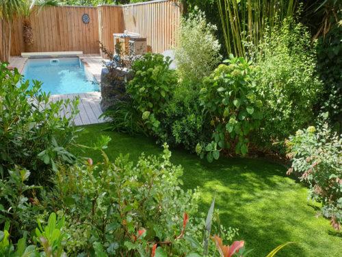Gazon synthétique piscine